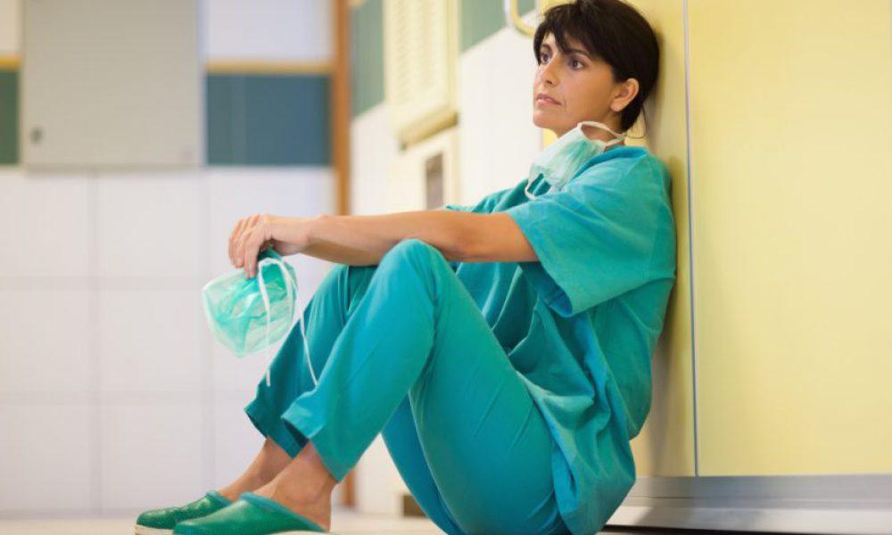 В бюджетных учреждениях здравоохранения региона работают 10 999 врачей