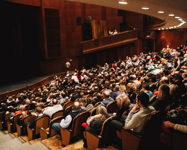 За прошлый театральный сезон южноуральцы увидели 35 премьер