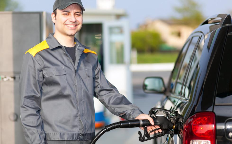 Цены на нефтепродукты продолжают снижаться