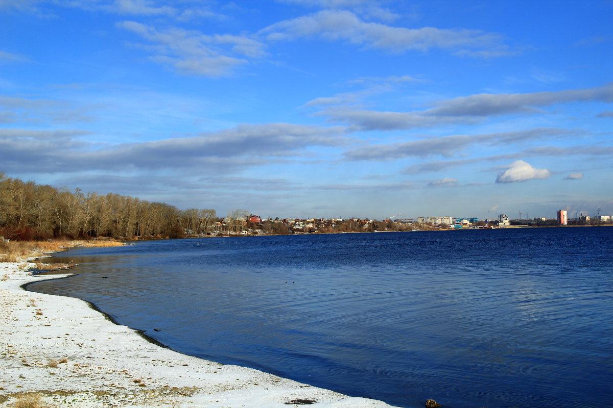 Территориально озеро находится в городе Челябинске и имеет очень древнюю и крайне занимательную историю